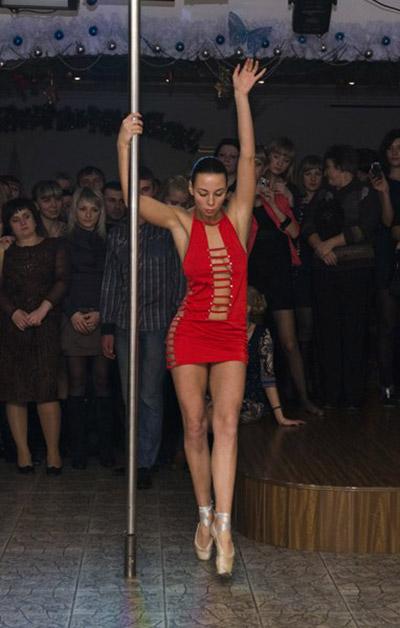 Танцовщица стриптиз валерия